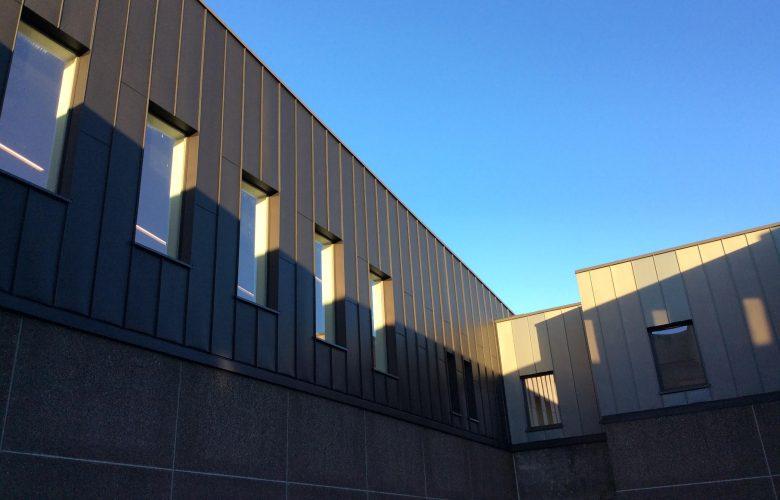 photo projet Extension du département paramédical des Hautes Ecoles | Ajout d'un étage de 4000 m² de classes, bureaux et auditoires